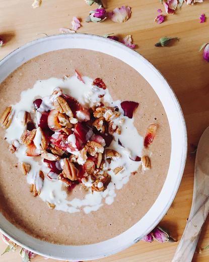 Frappe – Porridge cu boboci de trandafir