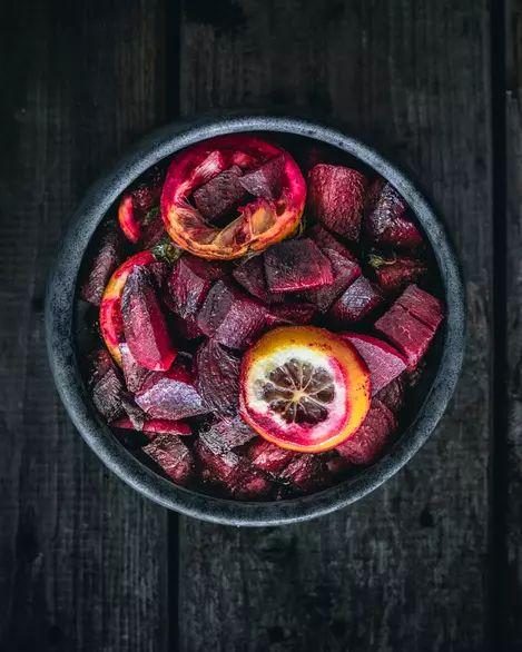 Sfeclă roșie cu ulei de chili și lămâi